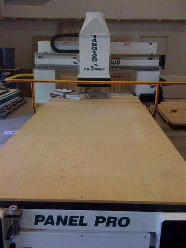 CNC-Router-CNC-Router-Pictures117\400\CR-Onsrud-145G12D-CNC-Router-b.jpg